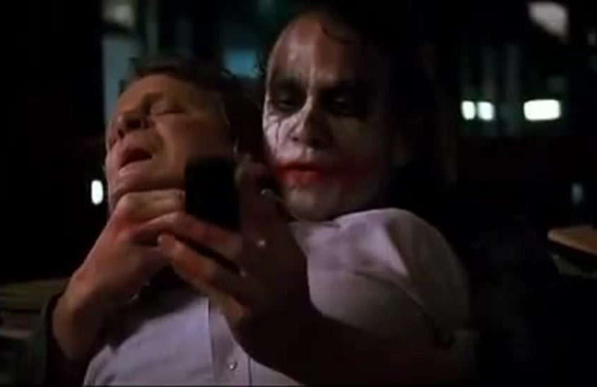 Joker-phone-call-in-dark-knight
